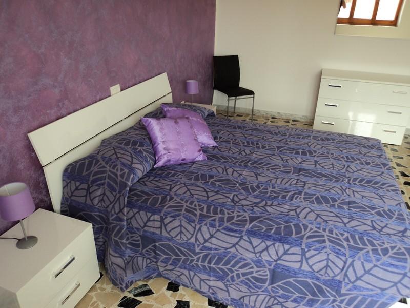 zimmer einrichtung ferien in sardinien. Black Bedroom Furniture Sets. Home Design Ideas